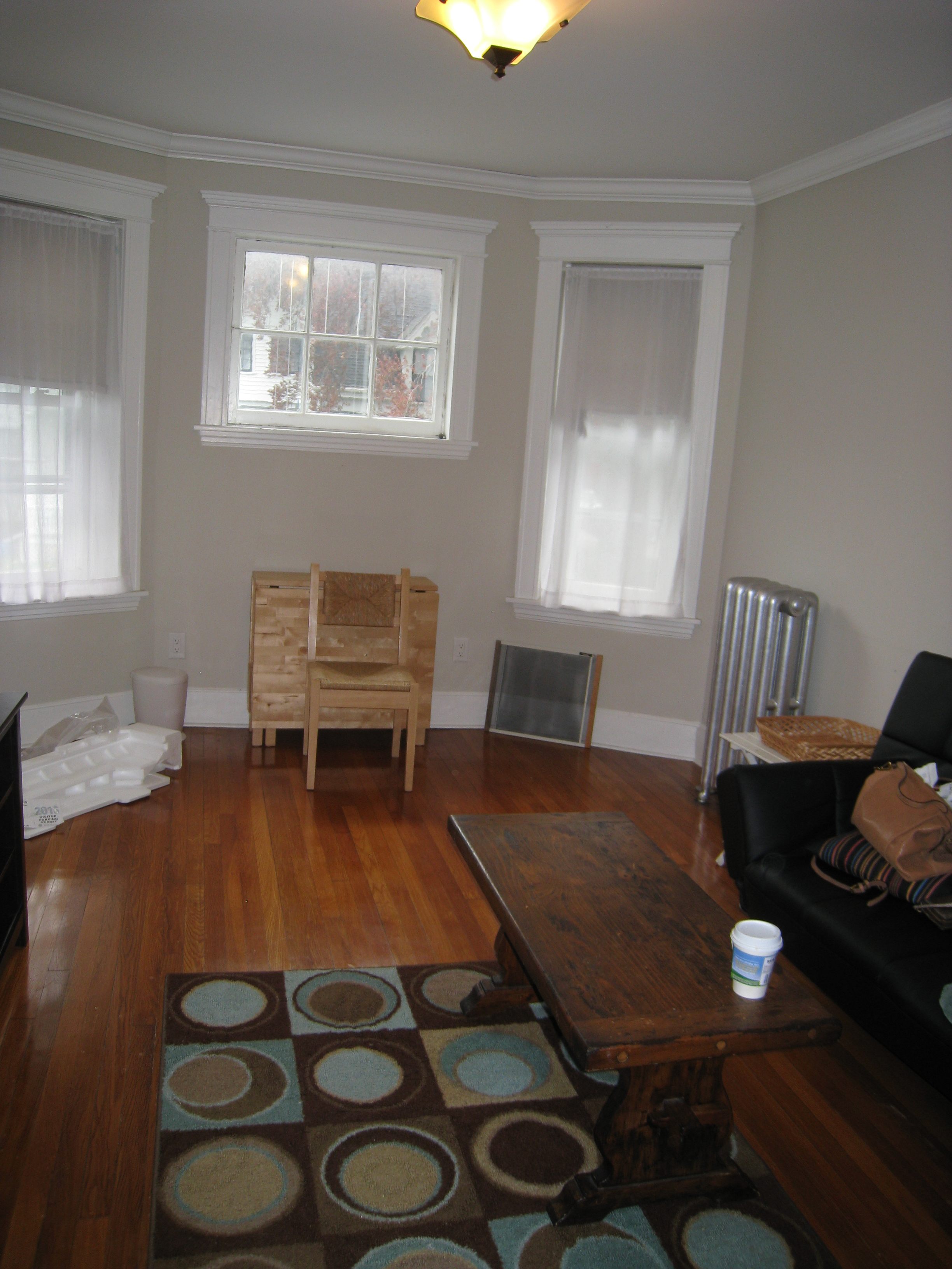 Cambridge apartments harvard square apartment 1 bedroom for Living room june jordan