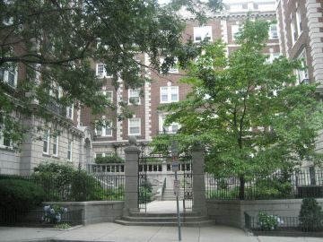Spacious First Floor Condo in fabulous building in Porter Square - Avail. Dec. 1st
